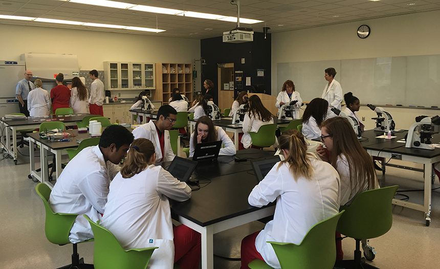 LCPS Students at VSTC wet lab explore health science careers
